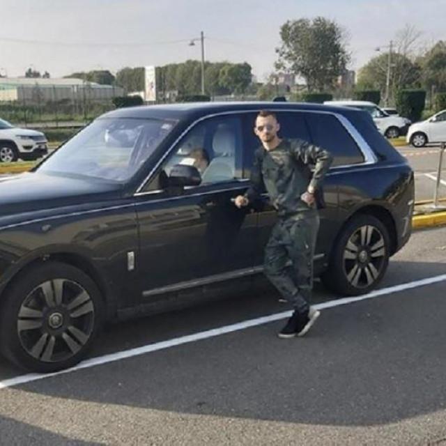 Marcelo sa svojim Rolls Royceom