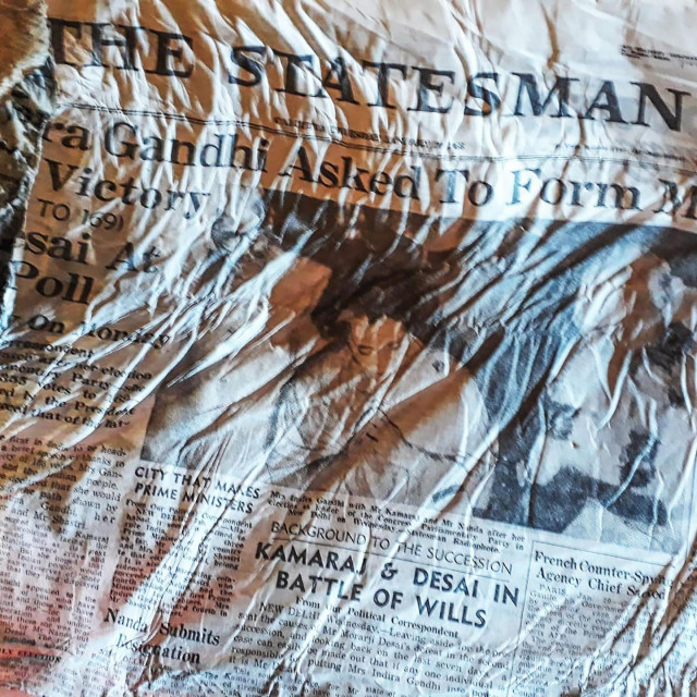 Novine na čijoj se naslovnici slavi pobjeda Indire Ghandi