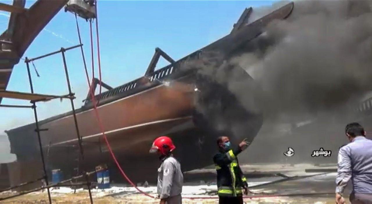 SUMNJE U STRANU SABOTAŽU? U iranskom lučkom gradu Bushehru zapaljeno sedam brodova