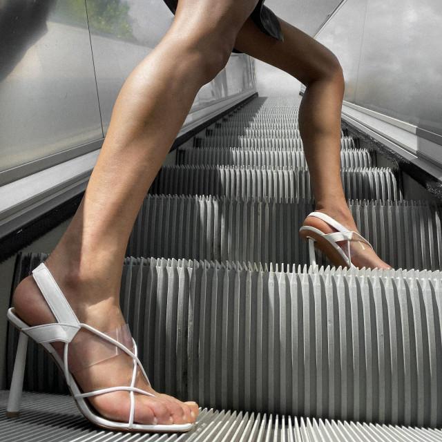fenty sandale
