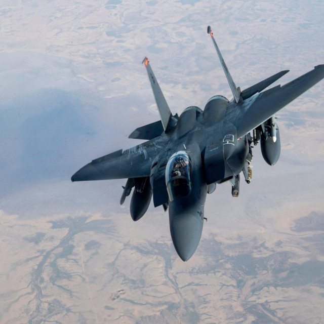 F-15E Strike Eagle, ilustracija