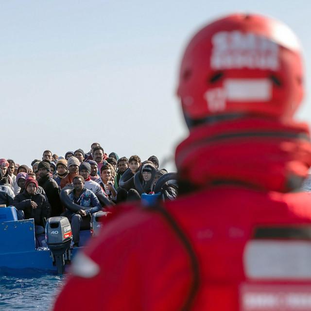 Ilustracija: Migranti na Mediteranu