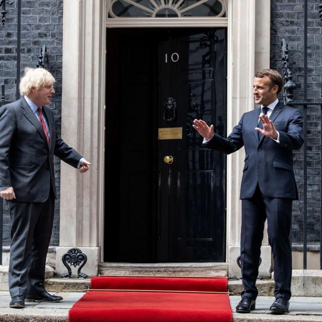 Boris Johnson i Emmanuel Macron