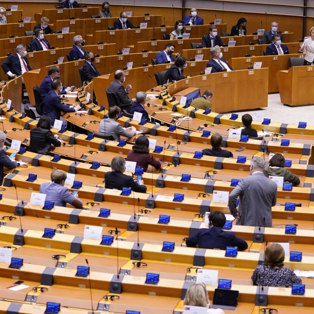 Ursula von der Leyen, predsjednica Europske komisije, obraća se Europskom parlamentu