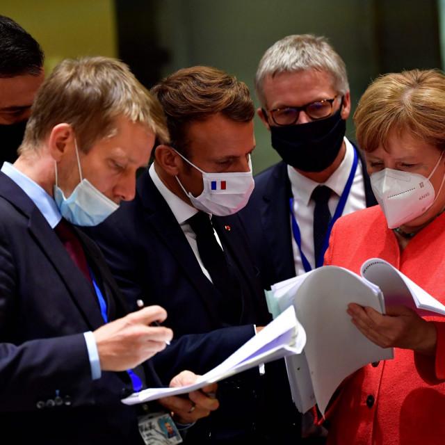 Zajedništvo u presudnom trenutku za Uniju: španjolski premijer Pedro Sanchez (lijevo), francuski predsjednik Emmanuel Macron (sredina) i njemačka kancelarka Angela Merkel