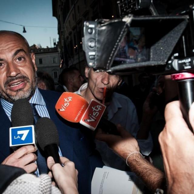 Gianluigi Paragone, senator i pokretač stranke Nema Europe za Italiju
