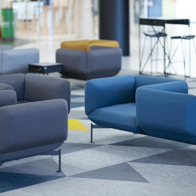 "Segment, lounge zona Međunarodnih odlazaka,<a href=""https://kincl.com.hr/en/"">KINCL Architects</a>"