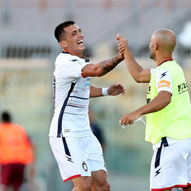 Salvatore Molina iz Crotonea slavi postignuti gol