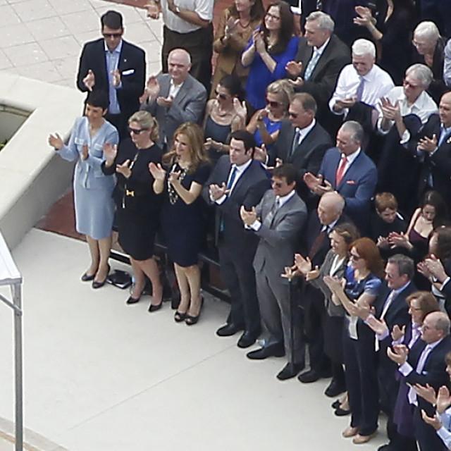 Tom Cruise, John Travolta i Kelly Preston na okupljanju Scijentološke crkve 2013. godine sjedili su zajedno u prvom redu.