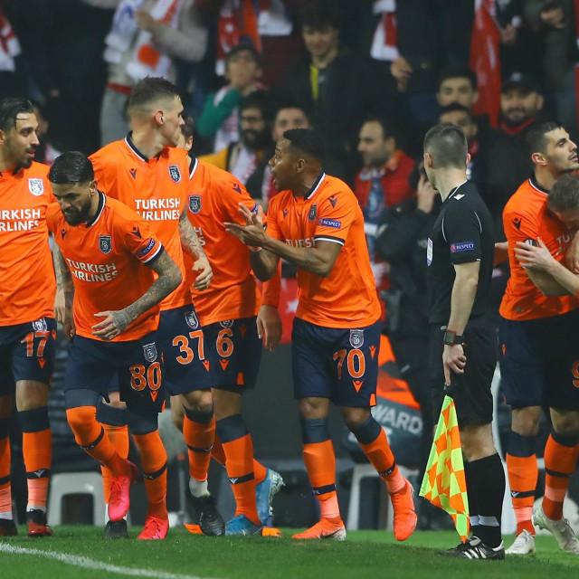 Slavlje igrača Istanbul Basaksehira
