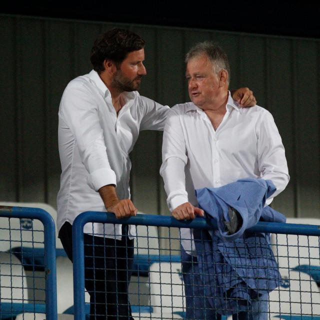 Ferenc Sakalj (desno) novi predsjednik i Ivan Meštrović stari predsjednik NK Osijeka