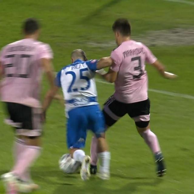 Sporna situacija u utakmici Osijeka i Lokomotive