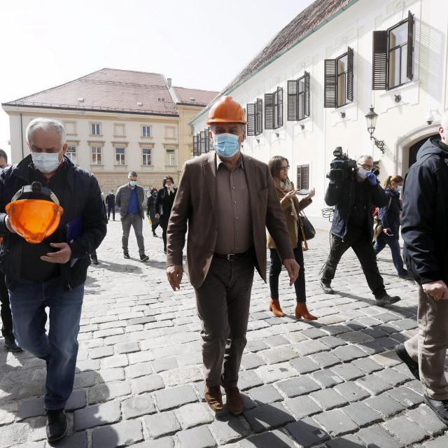 Milan Bandić u obilasku nakon potresa u Zagrebu