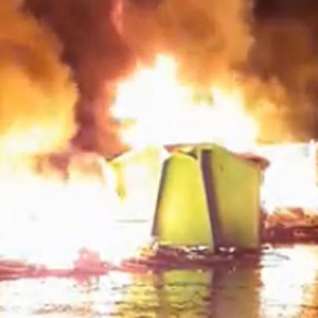 Snimka požara u Splitu