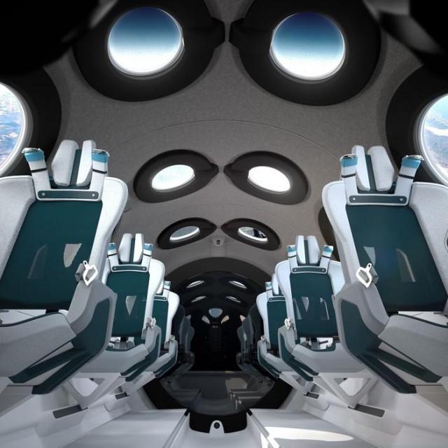 Unutrašnjost aviona Virgin Galactica