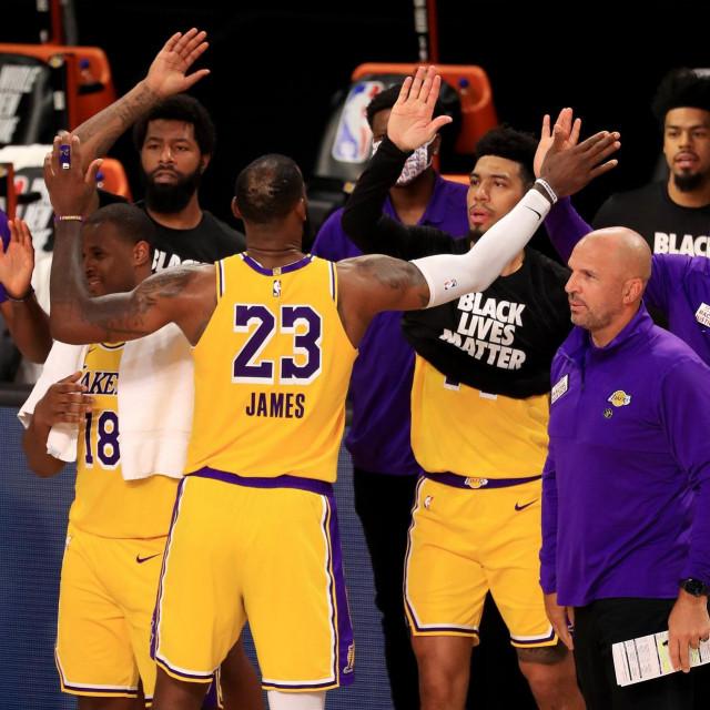 LeBron James u slavlju s momčadi