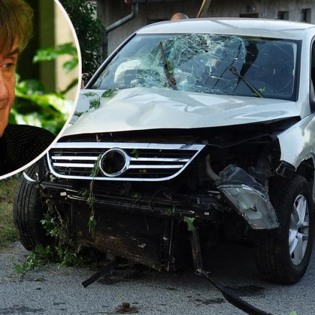 Razbijeni auto u kojem je bio Rajko Dujmić