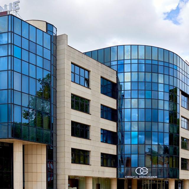 Nova zgrada u centru Pule