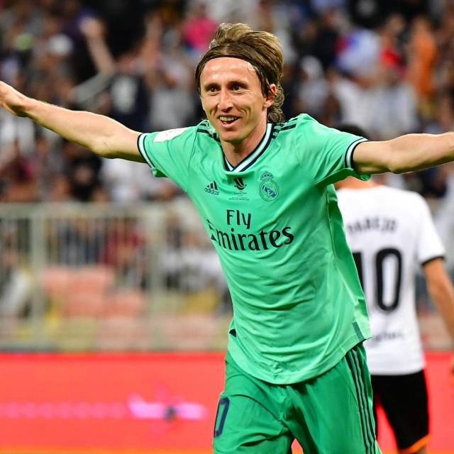 Luka Modrić izabran je za najboljeg hrvatskog nogometaša u prošloj sezoni
