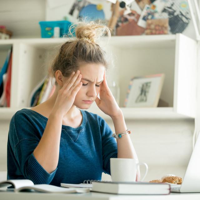 Kod glaukoma jedino akutni napadaj visokog očnog tlaka izaziva glavobolju