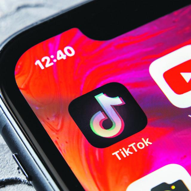 TikTok aplikacija na pametnom telefonu