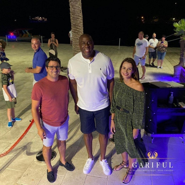 Magic Johnson u restoranu Gariful