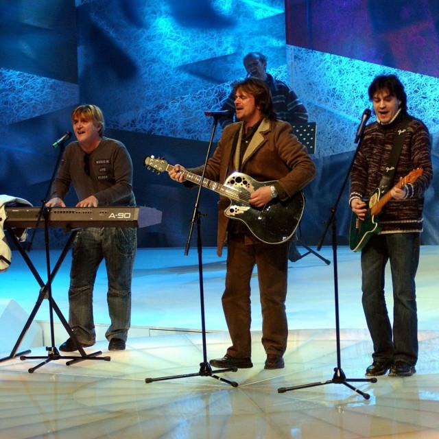 4 Asa (Rajko Dujmić, Alen Islamović, Vlado Kalember i Jurica Pađen)