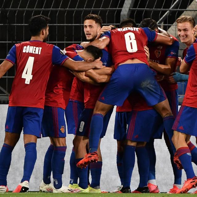 Slavlje nogometaša Basela