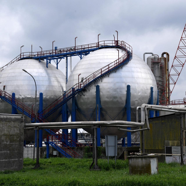 Pogoni Petrokemije u kojima se osim umjetnih gnojiva proizvodi i sirovina za eksplozive