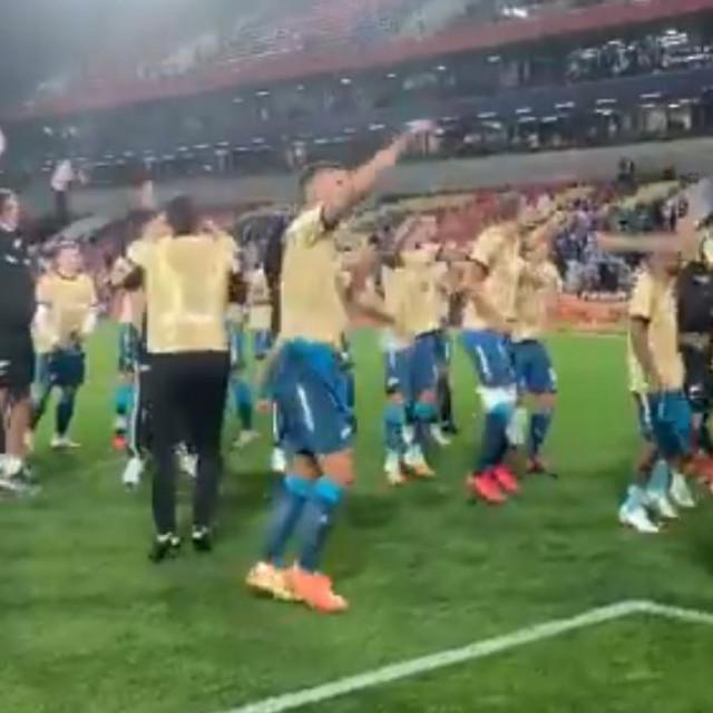 Lovren slavi trofej u Superkupu