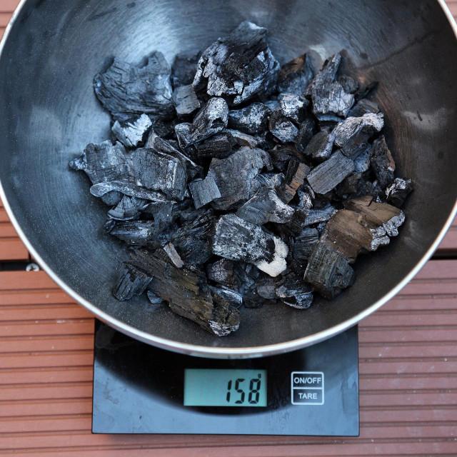 Ostaci ugljena nakon paljenja