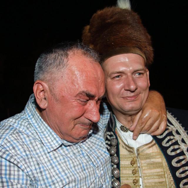 Ivo Zorica s obitelji slavi pobjedu na Alki