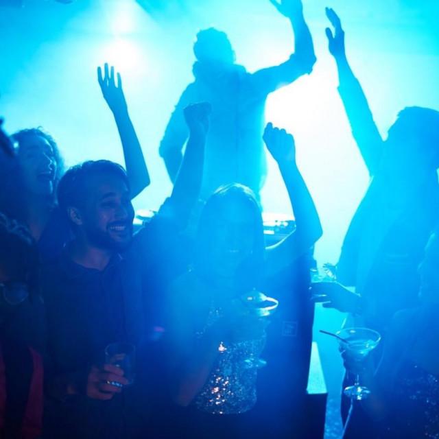 Noćni klub (Ilustracija)