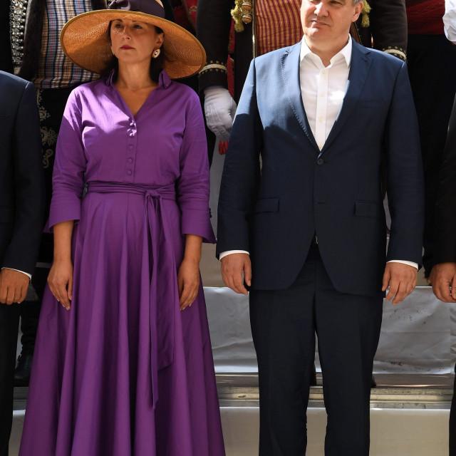 Sanja Milanović odvažila se za veliki obod na šeširu i nije pogriješila...