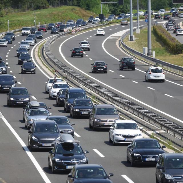 Pojačan promet na autocesti A1 Zagreb Split u oba smjera