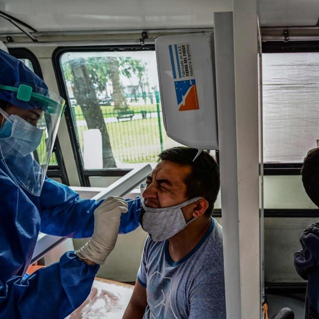 Testiranje na koronavirus u Buenos Airesu u Argentini