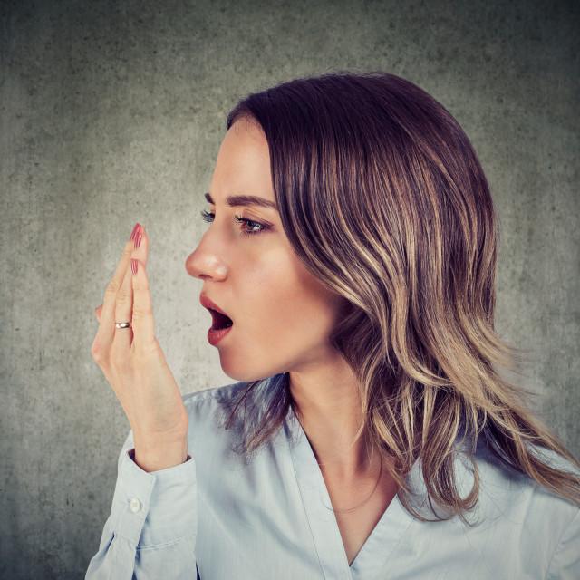 Vrlo odbojan zadah, puno neugodniji od uobičajenog lošeg zadaha, može biti znak neke plućne bolesti