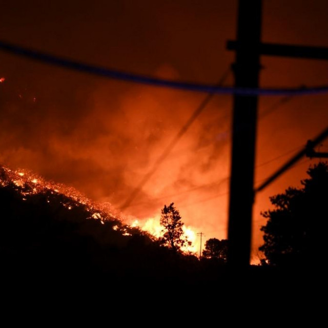 Požar u blizini Los Angelesa