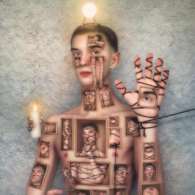 """U radu """"Tirar del hilo"""" umjetnik koristi vlastito tijelo kao medij"""