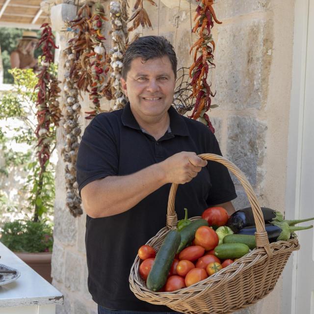 Na fotografiji: OPG Luko Musladin iz mjesta Ljubac u zaledju Dubrovnika.<br />
