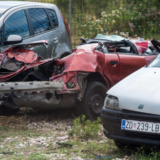Automobili koji su sinoć sudjelovali u teškoj prometnoj nesreći kod mjesta Jasenice