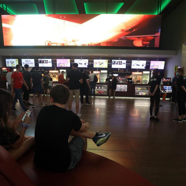 Nakon pet mjeseci pod mjerama je otvoreno kino Cinestar