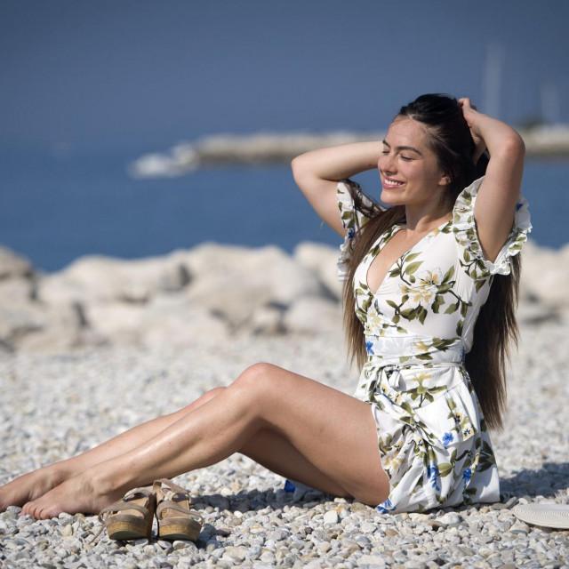 Ana Uršula Najev, mlada splitska glumica i pjevačica