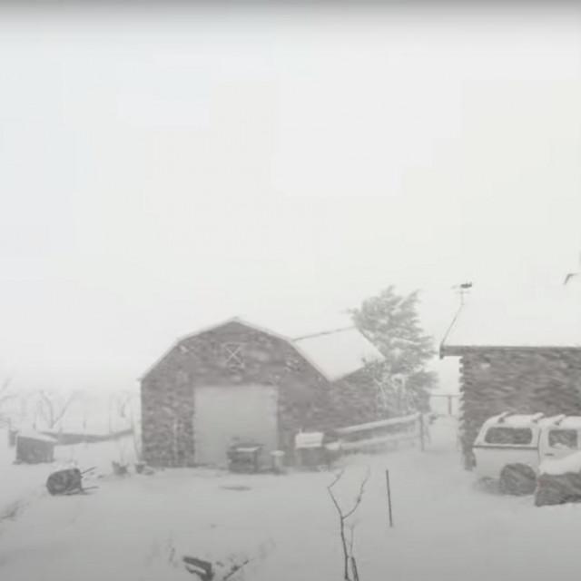 Snijeg u Oberonu u Australiji