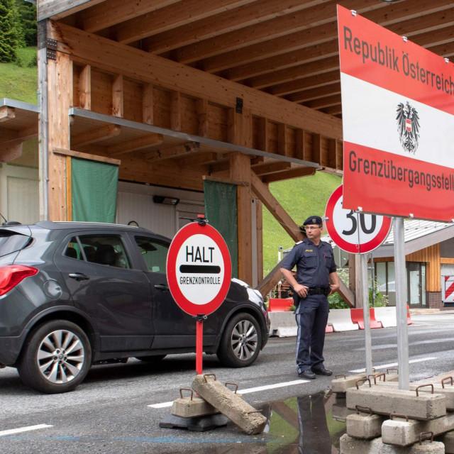 Detalj s austrijske granice / Ilustracija