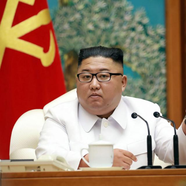 Kim Jong-un na sastanku Radničke partije Sjeverne Koreje krajem srpnja 2020. godine
