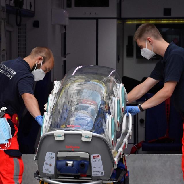 Nosila kojima je Navaljni prebačen u bolnicu u Berlinu