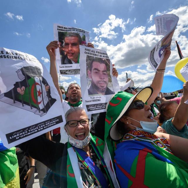 Prsvjed Alžiraca protiv političkih hapšenja