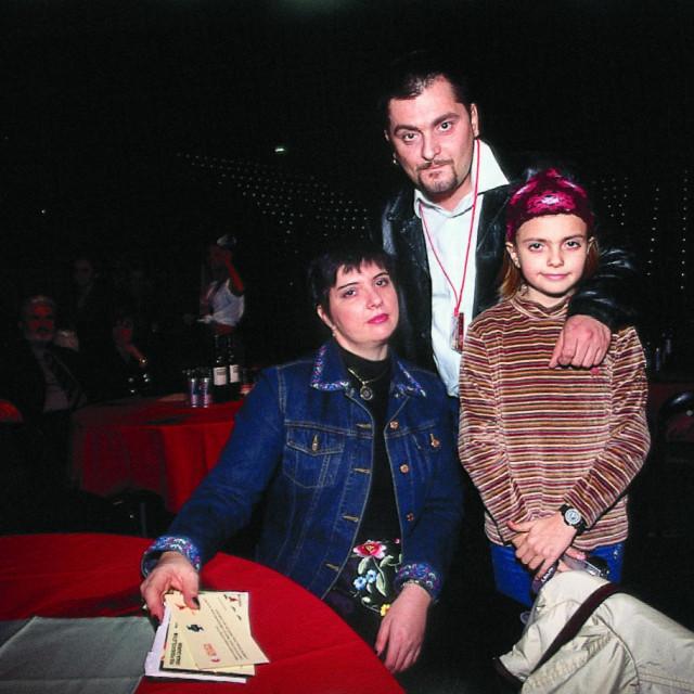 obitelj_dvornik1403-desk