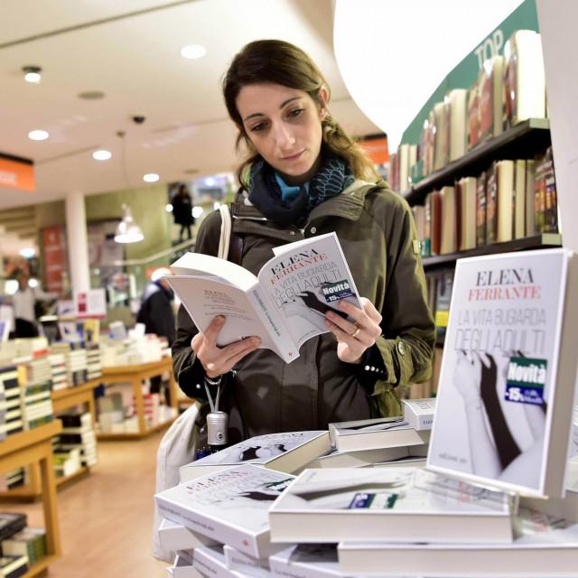 Promocija knjige La vita bugiarda degli adulti u Milanu